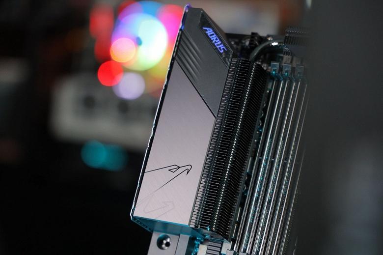 К сожалению, новейшие процессоры AMD Ryzen Threadripper действительно потребуют новый сокет