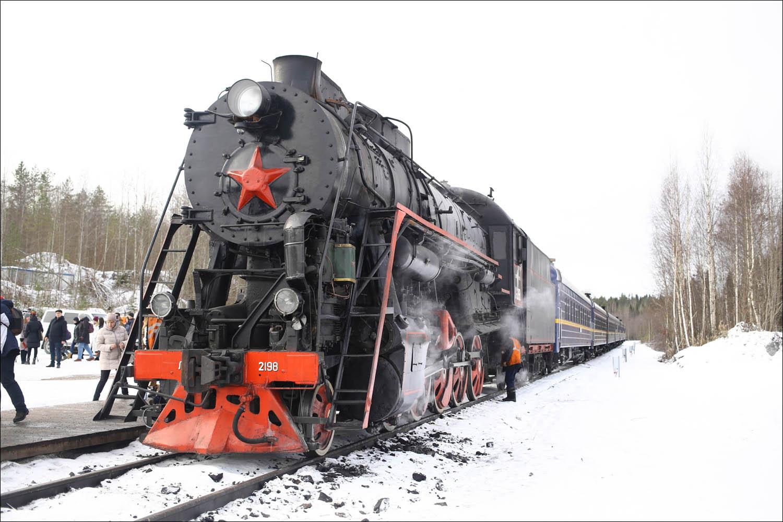 Ретропоезд с паровозом - 61