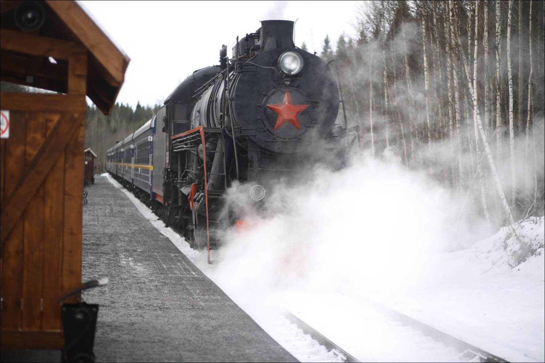 Ретропоезд с паровозом - 63