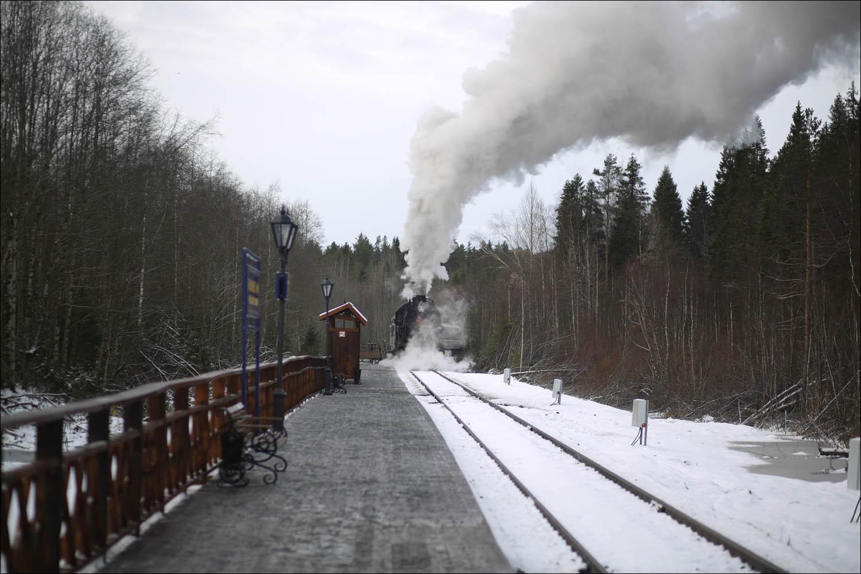 Ретропоезд с паровозом - 64