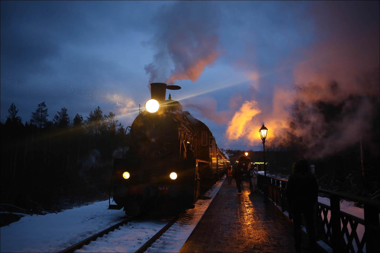 Ретропоезд с паровозом - 1