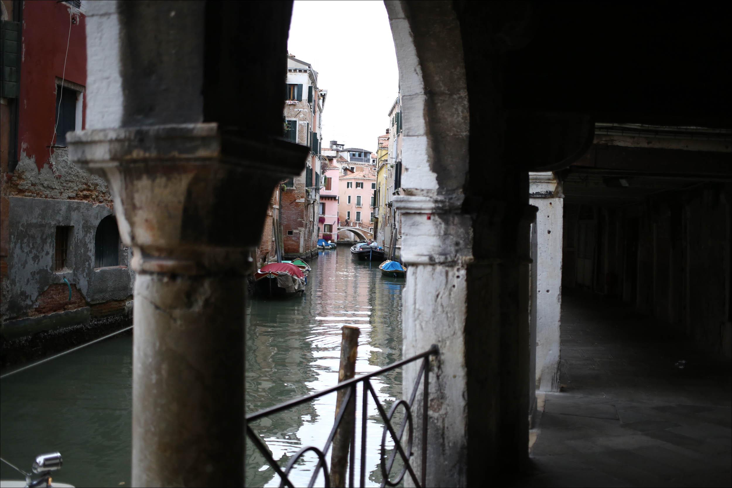 Город-на-лодках: как Венеция существует без машин - 1