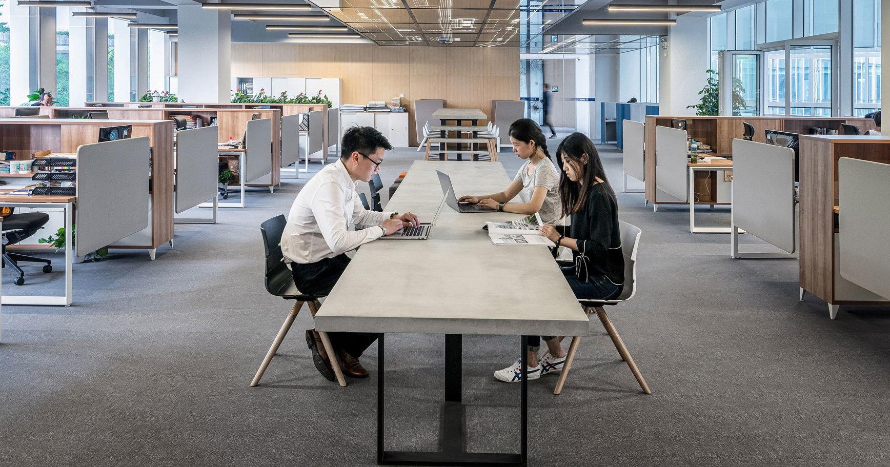 Сможет ли массажный стол заменить офисное кресло