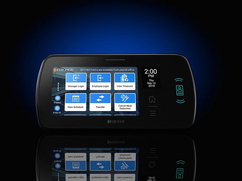 Часы Kronos InTouch DX оснащены семидюймовым сенсорным экраном и дактилоскопическим датчиком