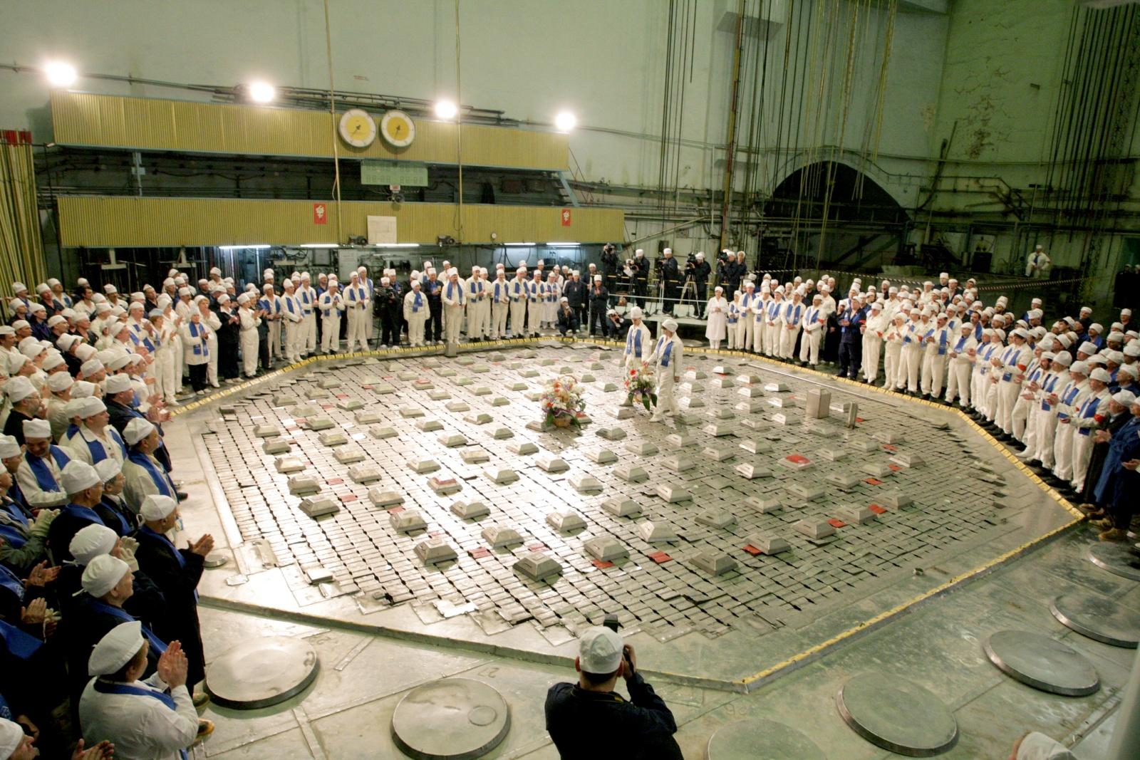 Промышленные уран-графитовые реакторы для наработки плутония - 1