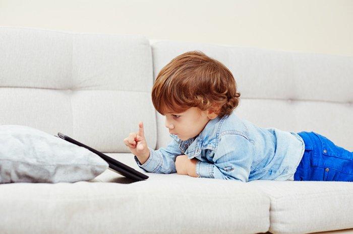 Россияне об ограничении доступа детей к гаджетам