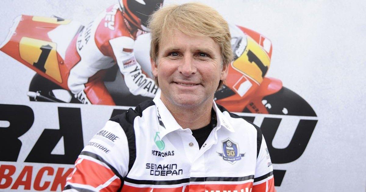 Парализованный гонщик впервые за 26 лет сел в седло спортбайка