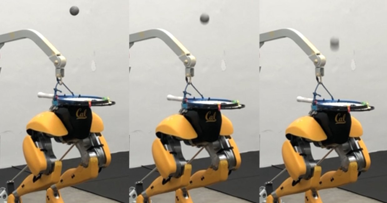 Двуногого робота научили чеканить мяч