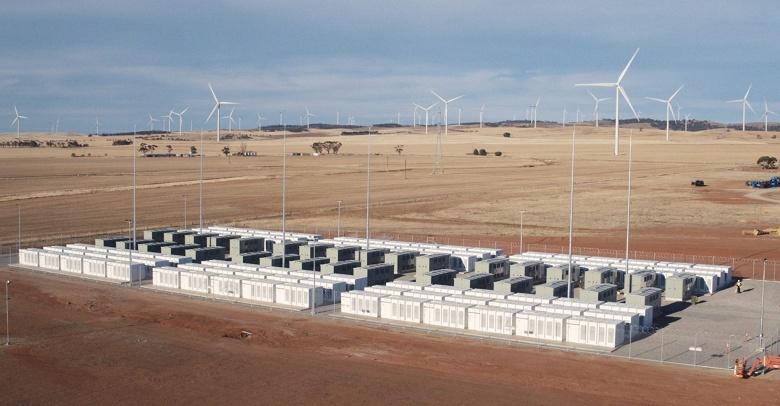 Гигантская литий-ионная батарея в Австралии станет на 50% больше