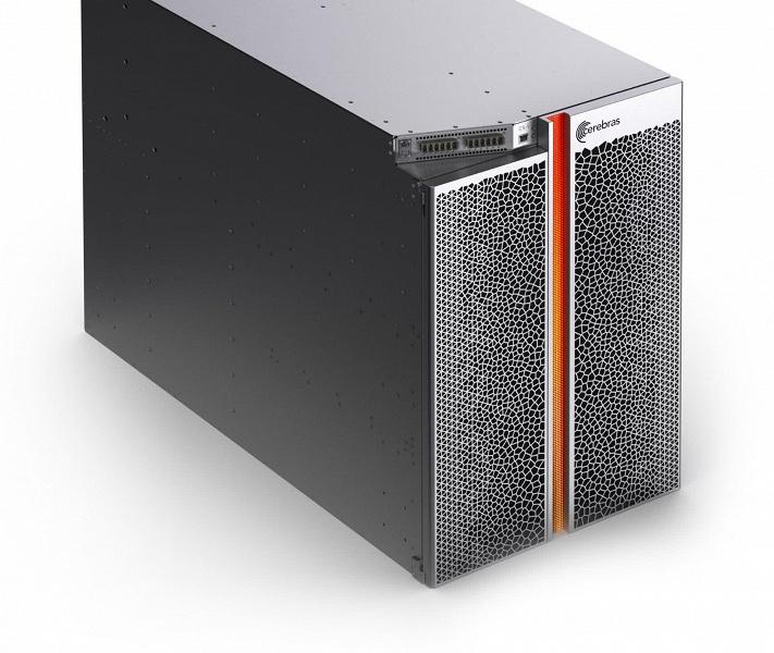 Основой компьютера CS-1 стала самая большая микросхема