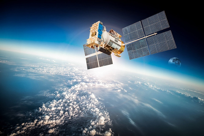 «Росэлектроника» собирается создать первое отечественное производство СВЧ-переключателей для спутников