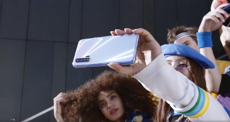 Huawei Nova 6 5G впервые позирует вживую