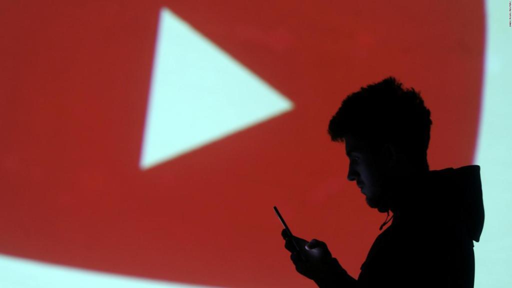 YouTube попытается привлечь рекламодателей для ютуберов с «несемейным» контентом из-за жалоб на демонетизацию - 1