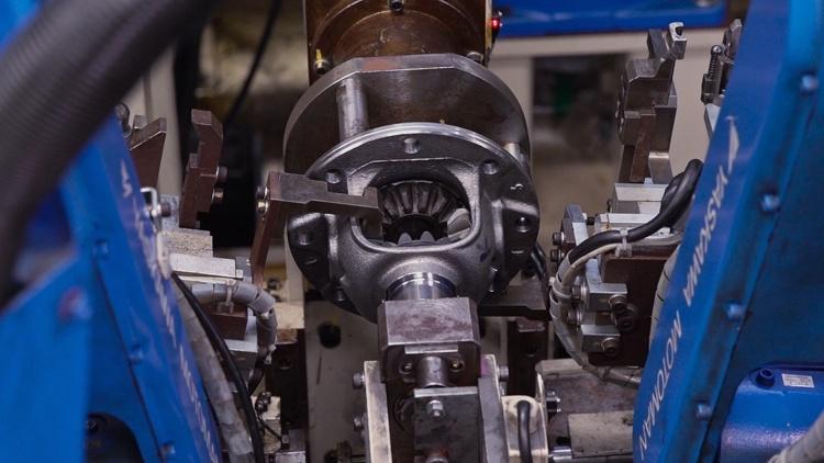 Nissan готовится к массовому выпуску электрокаров и подключённых автомобилей