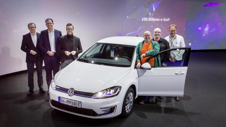 Продажи электромобиля Volkswagen e-Golf превысили рубеж в 100 000 штук