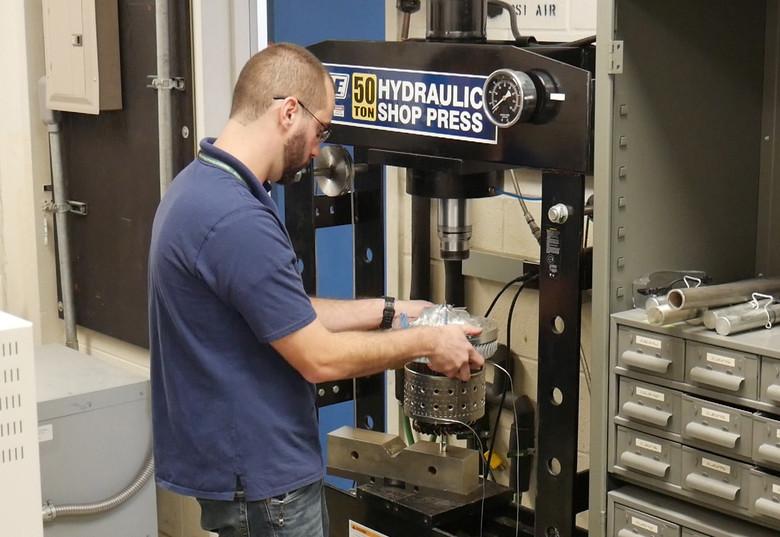 ВВС США разрабатывают компактный реактивный двигатель - 2