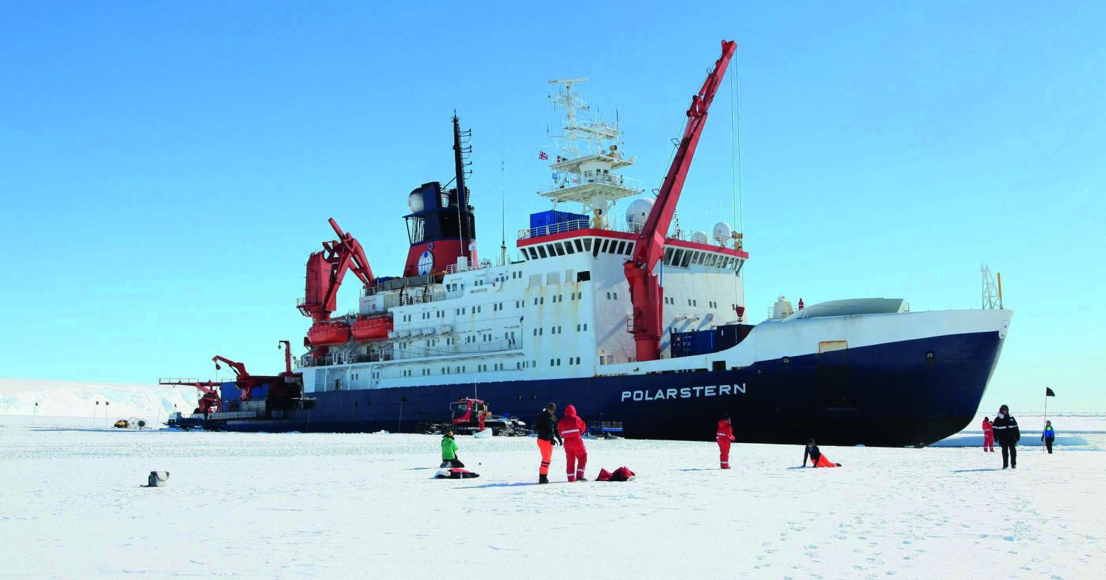 Вмороженный в лед: ледокол Polarstern