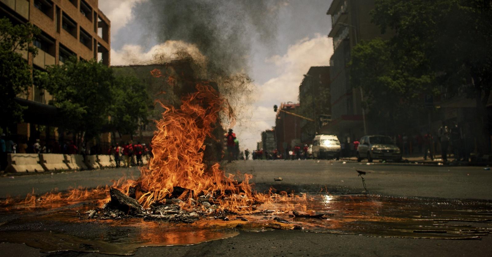 Черная пятница обернулась протестами