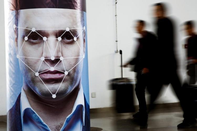 В Китае ввели обязательное сканирование лиц при регистрации в новых мобильных сервисах