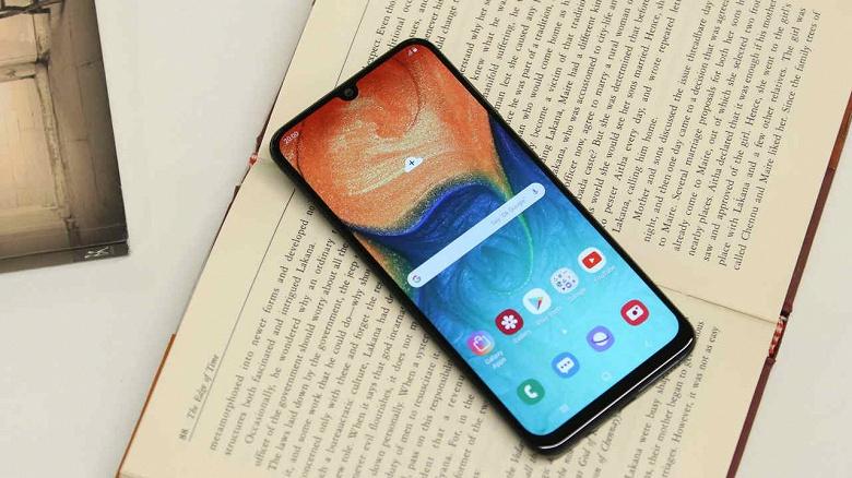 Samsung починила то, что сломала в одном из своих самых популярных смартфонов