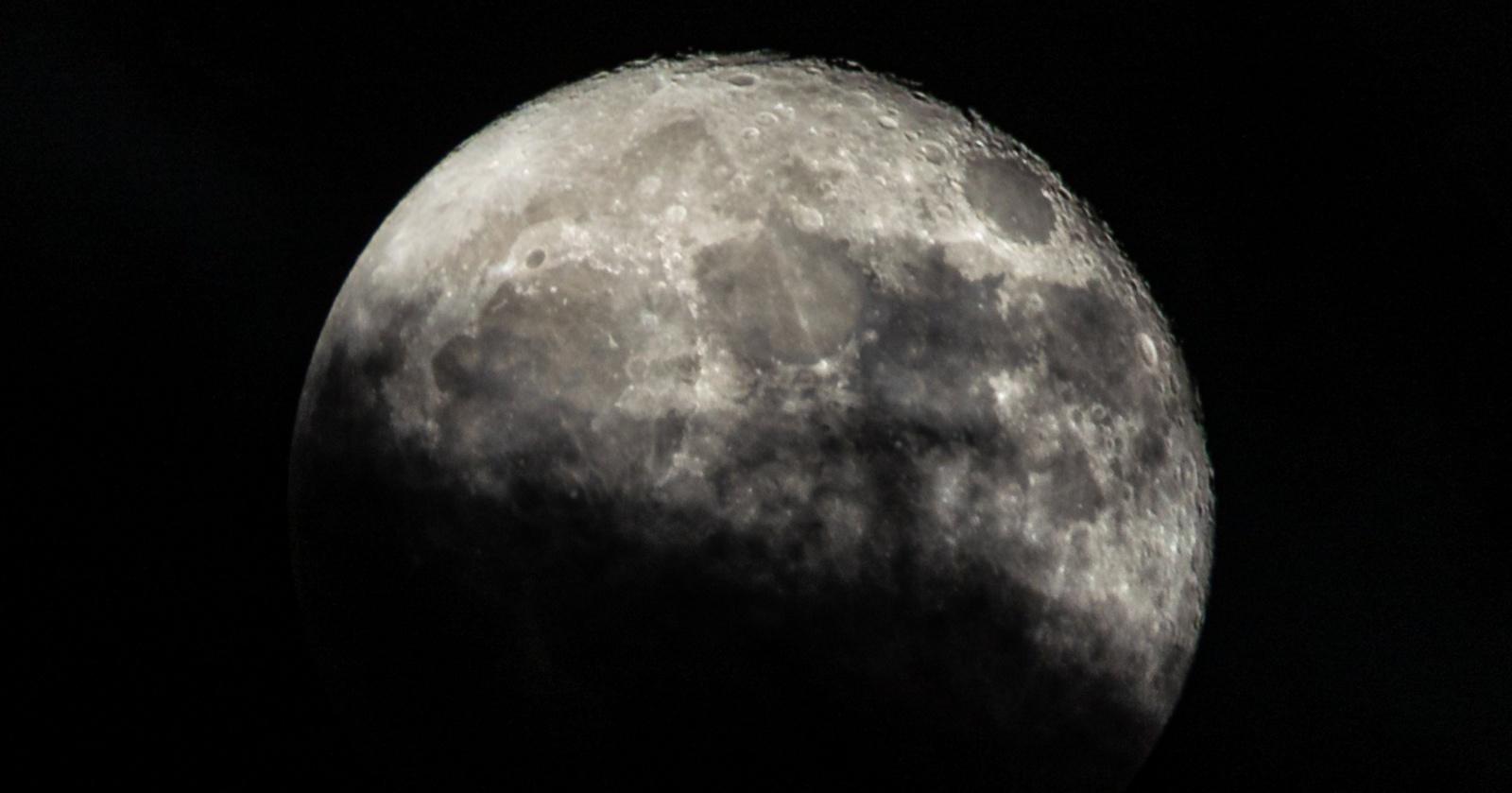 Спрятанный за Луной спутник превратился в телескоп