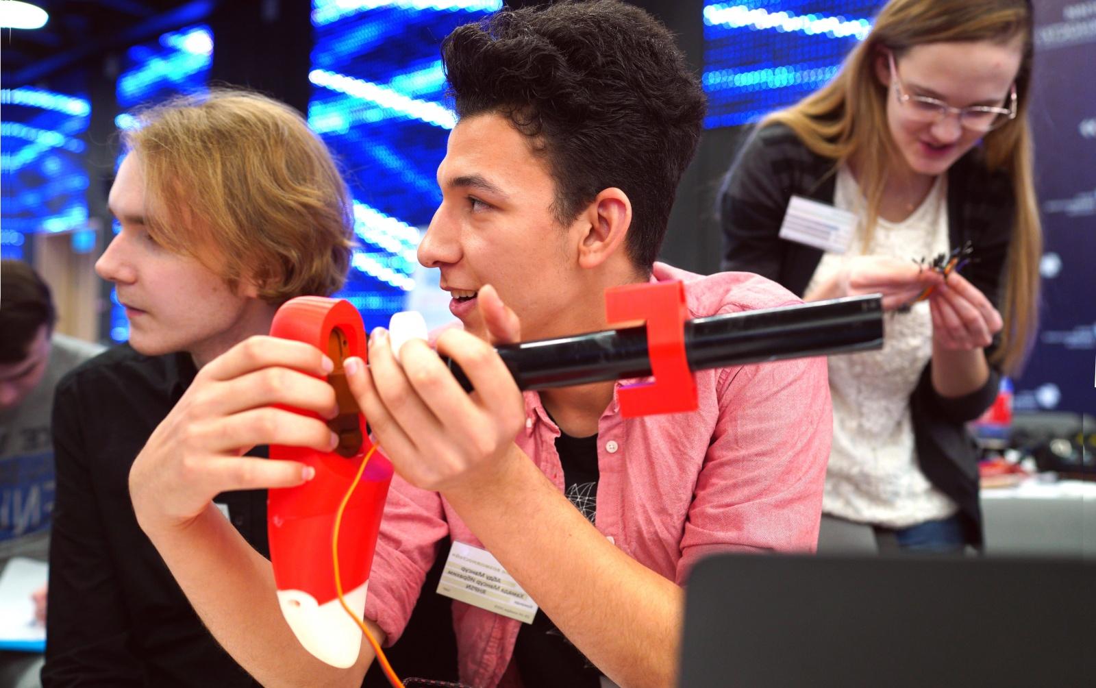 Участники образовательного интенсива в Сколково научатся основам прототипирования - 1