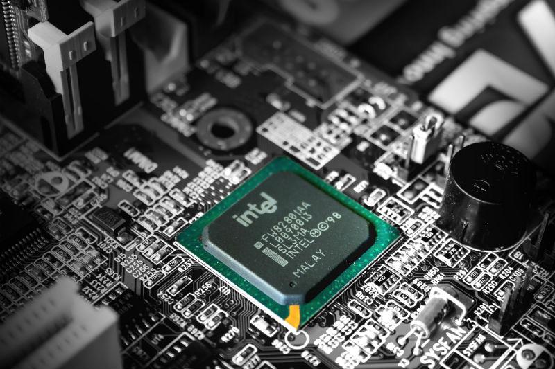 Intel не справляется со спросом на процессоры. В результате страдает бизнес HP и Dell - 1