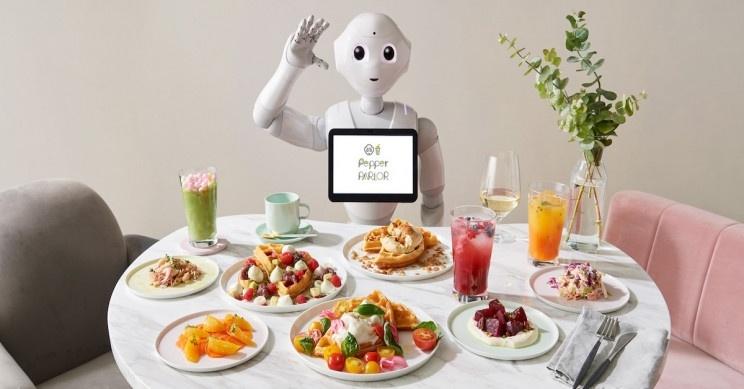 В Токио открыли кафе, где трудятся роботы Pepper и обычные официанты