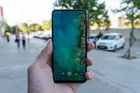 У Xiaomi есть уникальный сгибающийся смартфон с камерой-перевертышем - 1