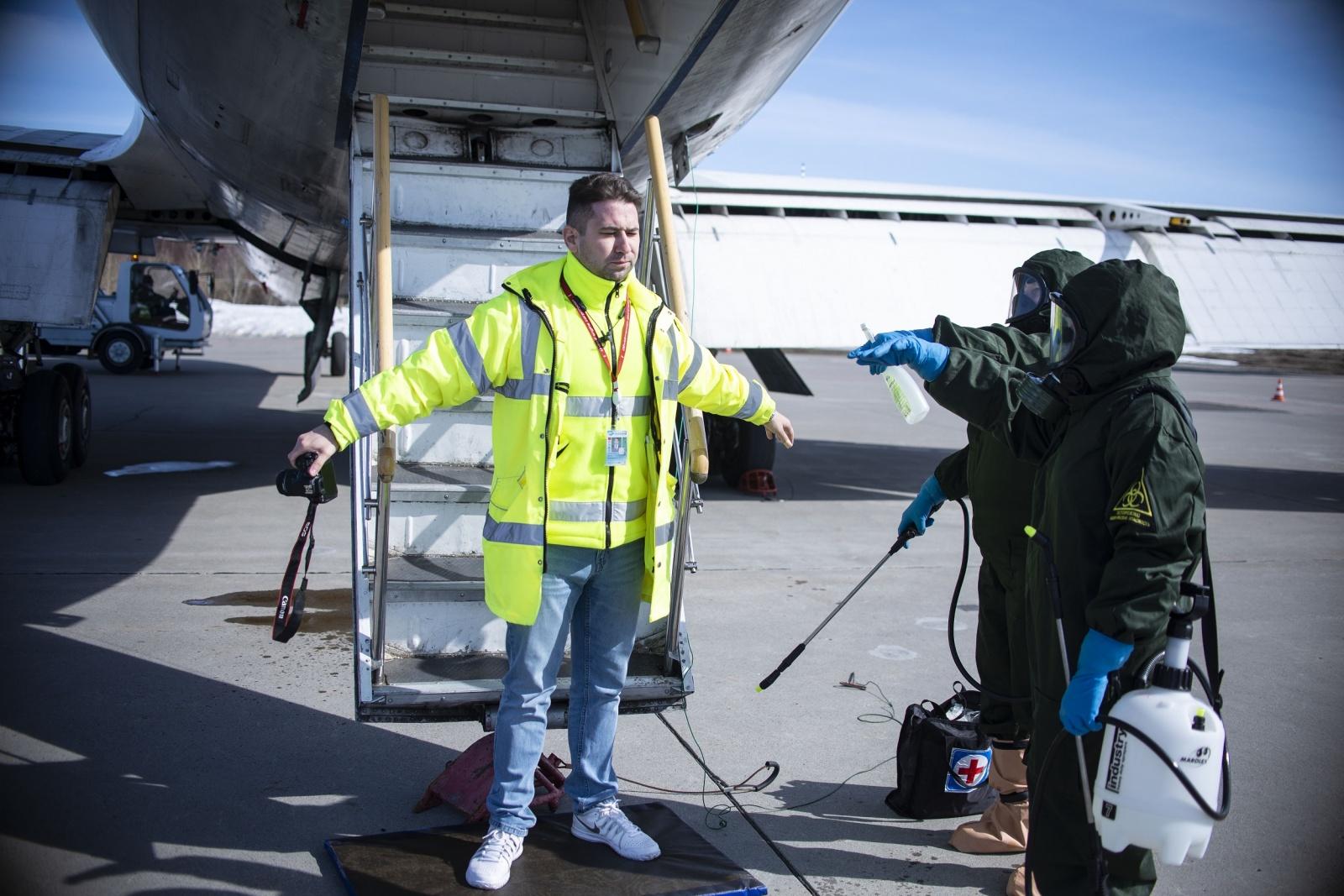 Как работает медслужба аэропорта - 1
