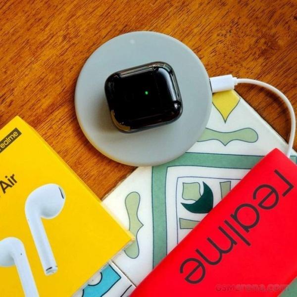 Шах и мат. 70-долларовые наушники Realme Buds Air получили беспроводную зарядку в комплекте