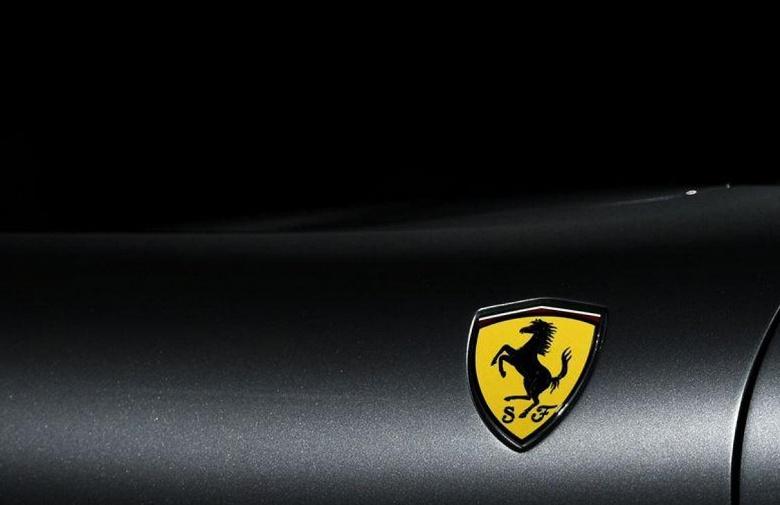 Ferrari не будет спешить с электромобилями