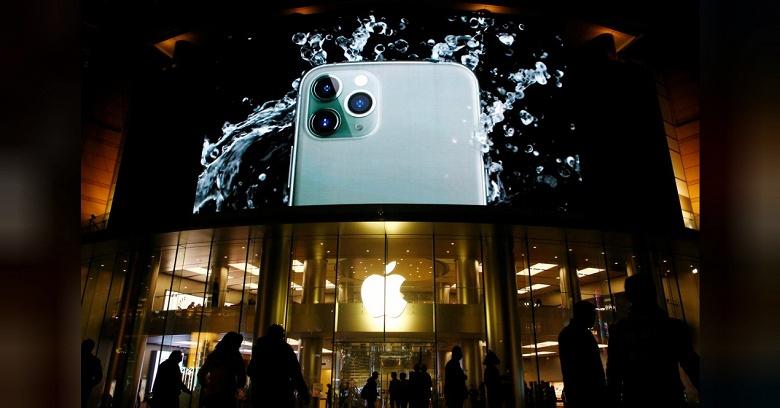 Это катастрофа для Apple. Продажи iPhone в Китае рухнули более чем на треть