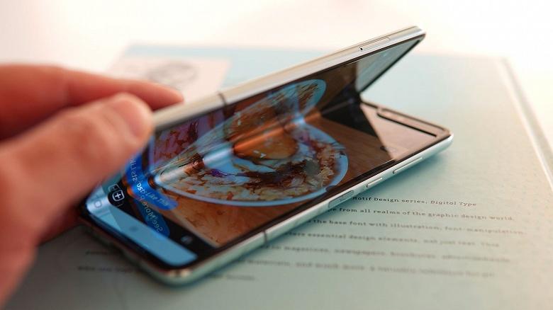 Рекорд Galaxy Fold оказался ложным. Смартфон ещё не преодолел отметку в 1 млн проданных устройств