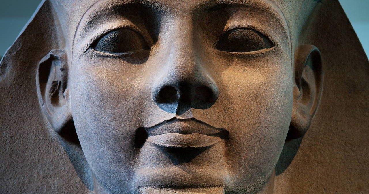 В Египте найден скульптурный портрет Рамзеса II