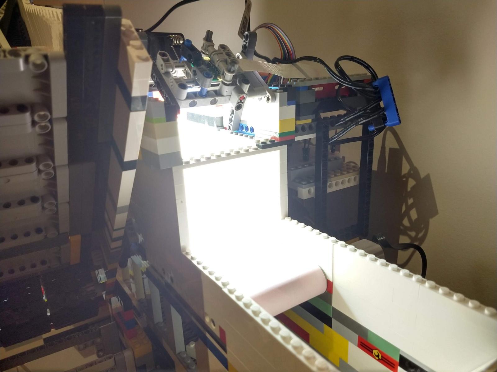 Высокоскоростное машинное зрение в универсальном устройстве для сортировки деталей LEGO - 5
