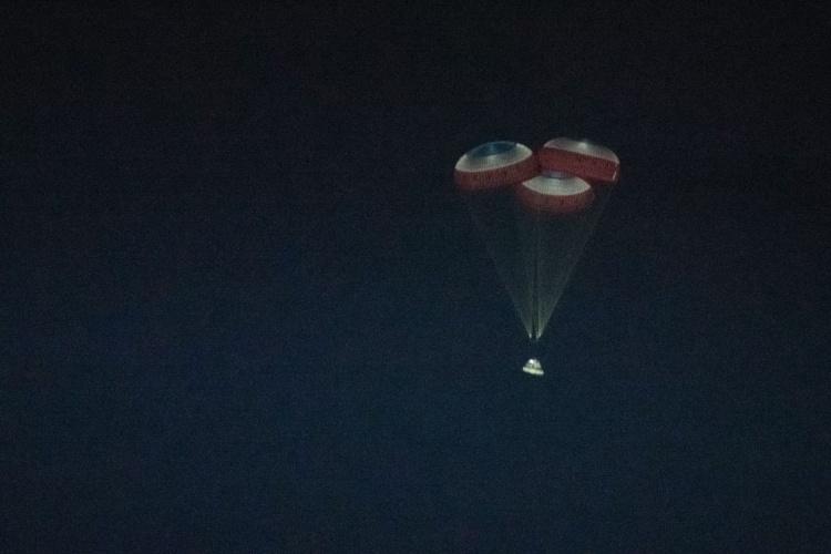 Boeing Starliner приземлился в пустыне после неудачной миссии к МКС