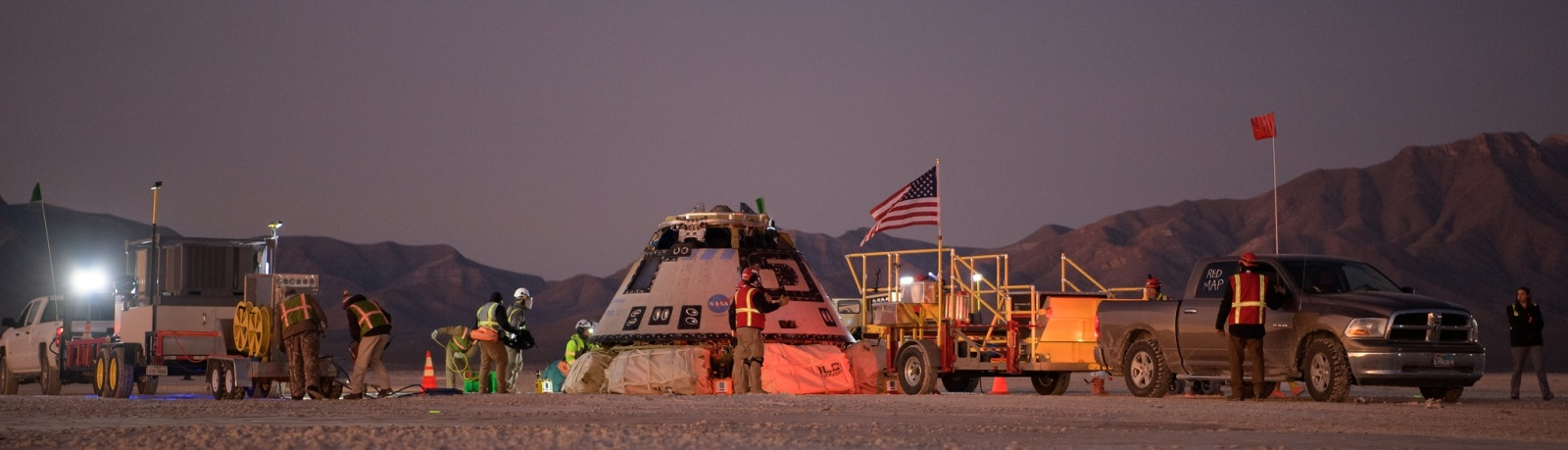 «Старлайнер» совершил успешную посадку в штате Нью-Мексико США - 5