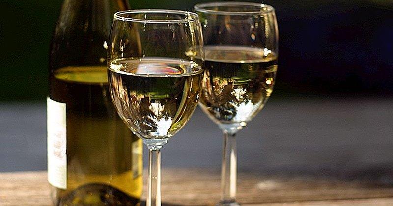 Назван самый безопасный алкогольный напиток