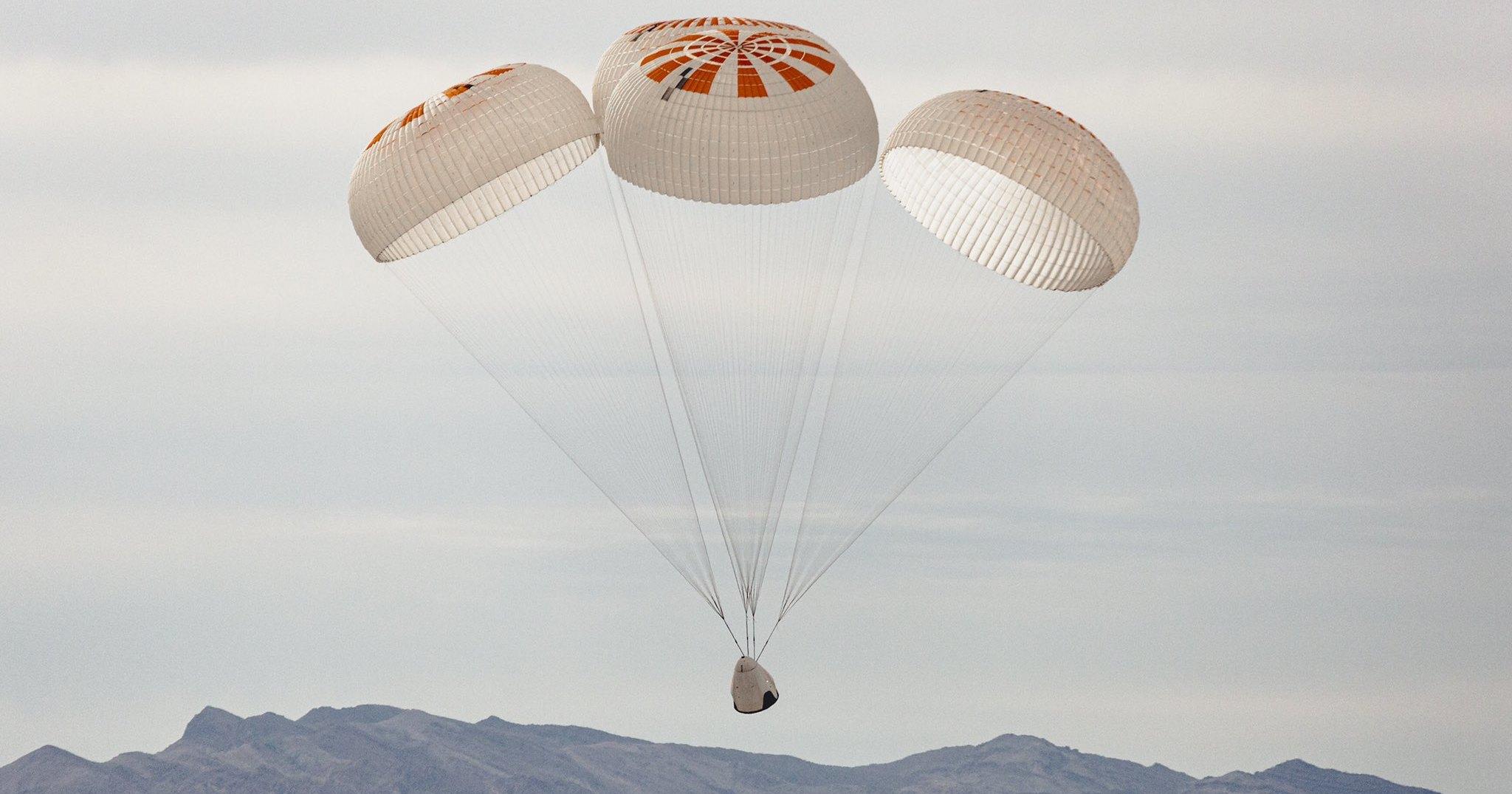 SpaceX закончила испытания парашютов
