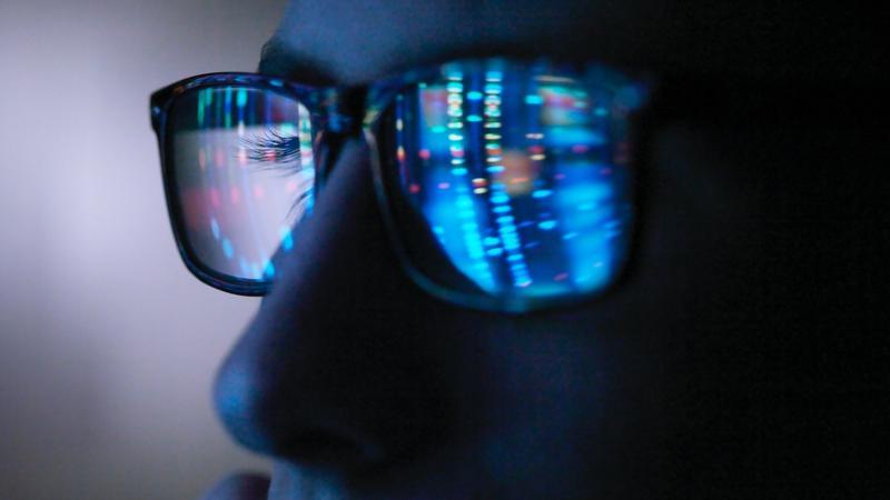Нарушает ли синий свет биоритм человека? - 1