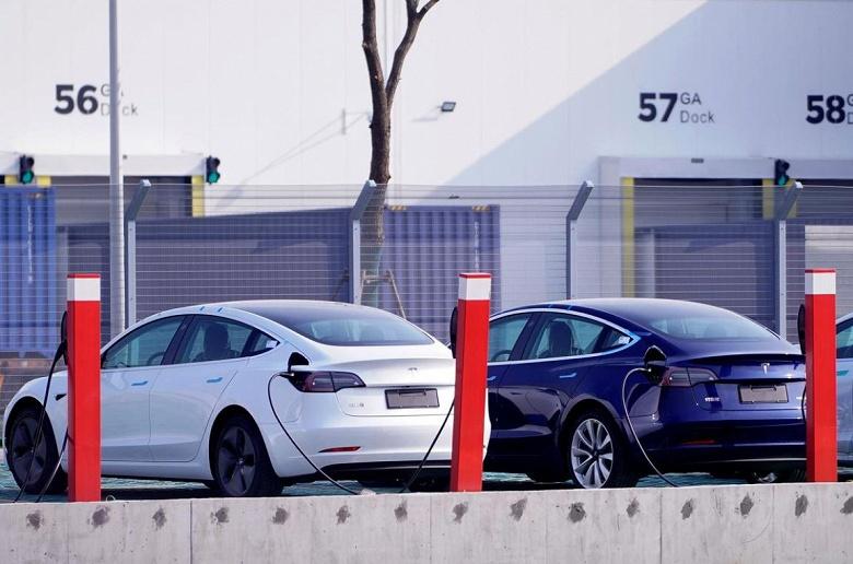 Tesla отгрузит первые 15 электромобилей Model 3, изготовленных в Шанхае, 30 декабря - 1