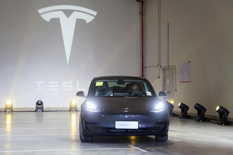 Tesla снижает цены на Model 3 китайской сборки