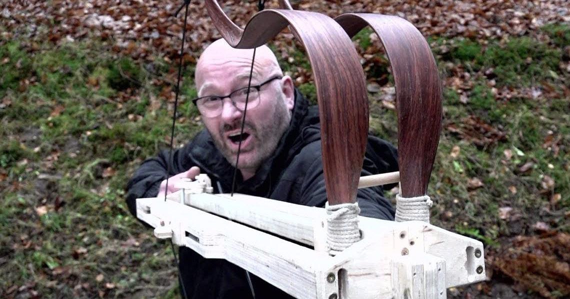 Автоматический спаренный лук: многозарядный стреломет в действии