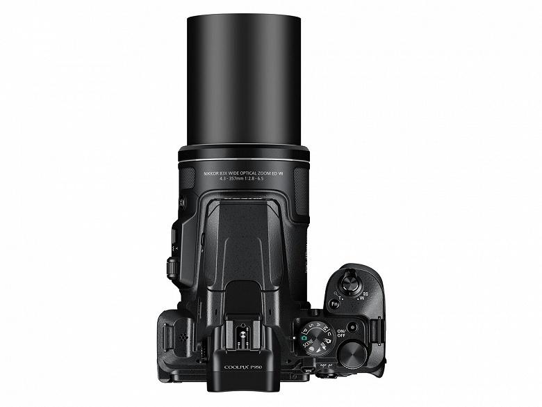 Камера Nikon Coolpix P950 оказалась тяжелее и дороже предшественницы