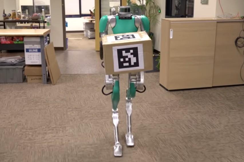 Шагающий робот-доставщик Digit поступил в продажу - 1