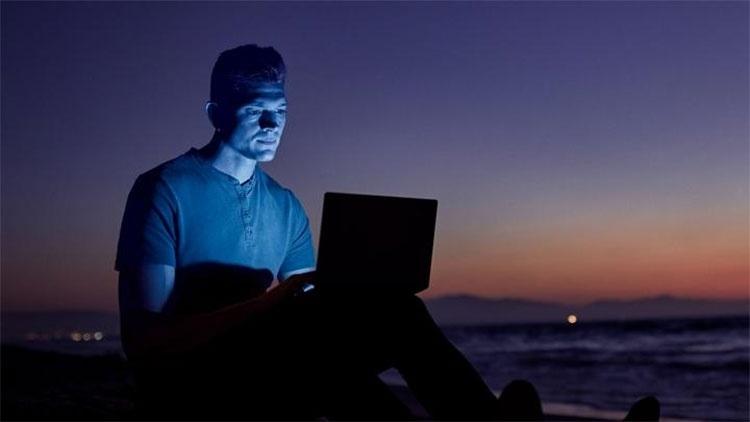 Intel представила ролик, посвящённый новациям Project Athena для ноутбуков на CES