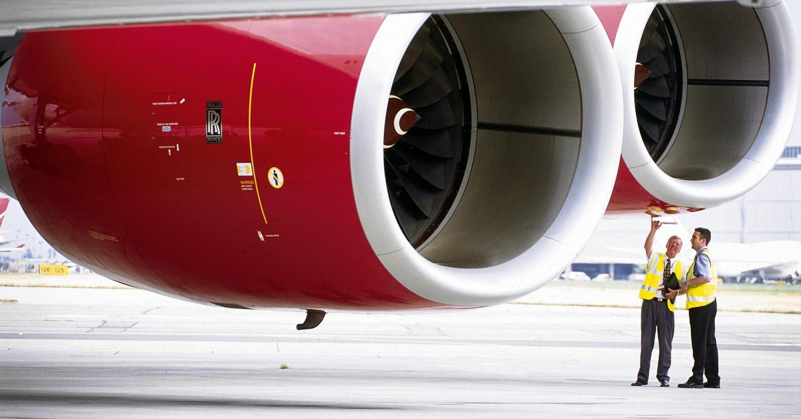 Почему кидать монеты в двигатели самолёта смертельно опасно