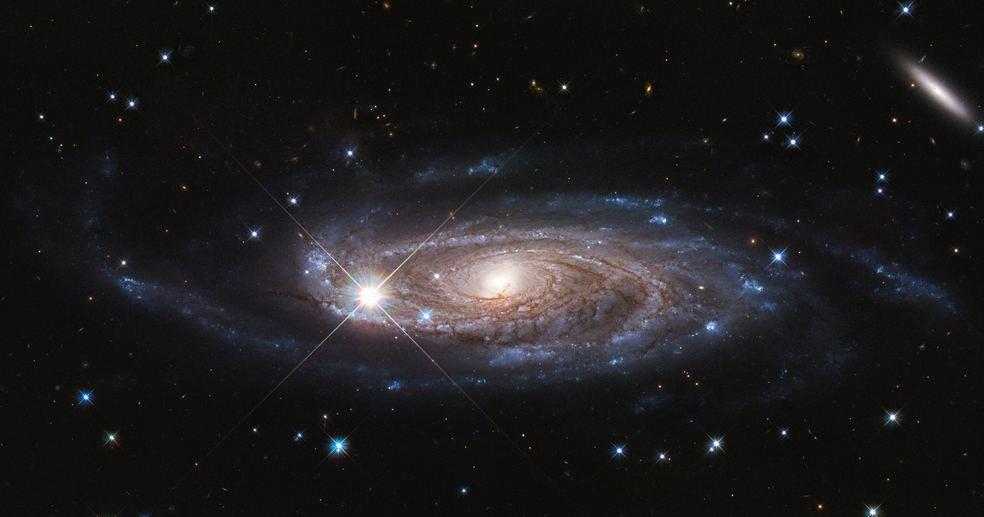 «Хаббл» получил снимок гигантской спиральной галактики