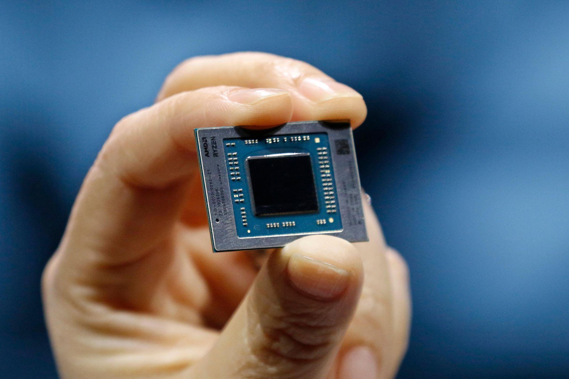 На CES 2020 AMD представила 64-ядерный десктопный Ryzen Threadripper 3990X, видеокарту Radeon RX 5600 и мобильные CPU - 8